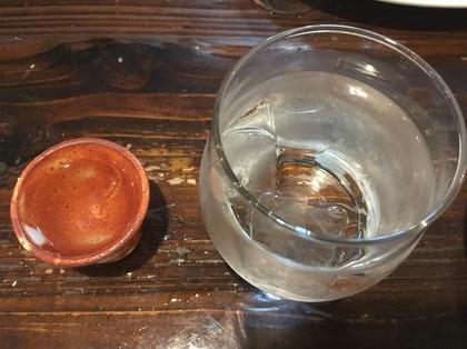 花酒は60度 お水といっしょにどうぞ(国境にて).JPG