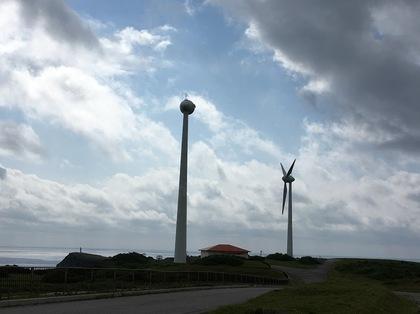 風力発電機のプロペラも風に飛ばされる.JPG